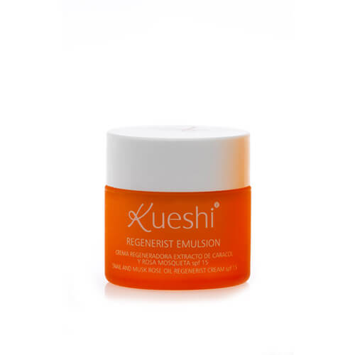 Kueshi Regenerating Cream with Snail Extract and Rosehip Oil SPF 15 Regenerist Emulsion